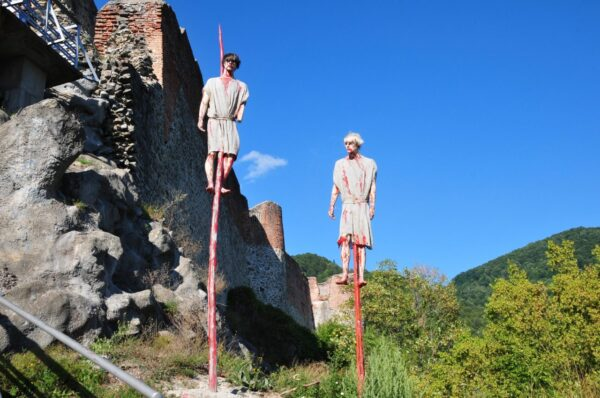 Poenari fortress seen in Dracula tours from Bucharest