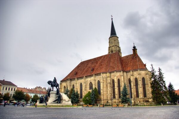 Cluj Saint Michael Catedral and the statue of Matias Rex-Private Dracula tour - Transylvania Dracula Tour